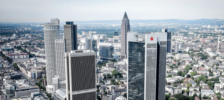 Frankfurt-Bankentürme-high-zuschnitt