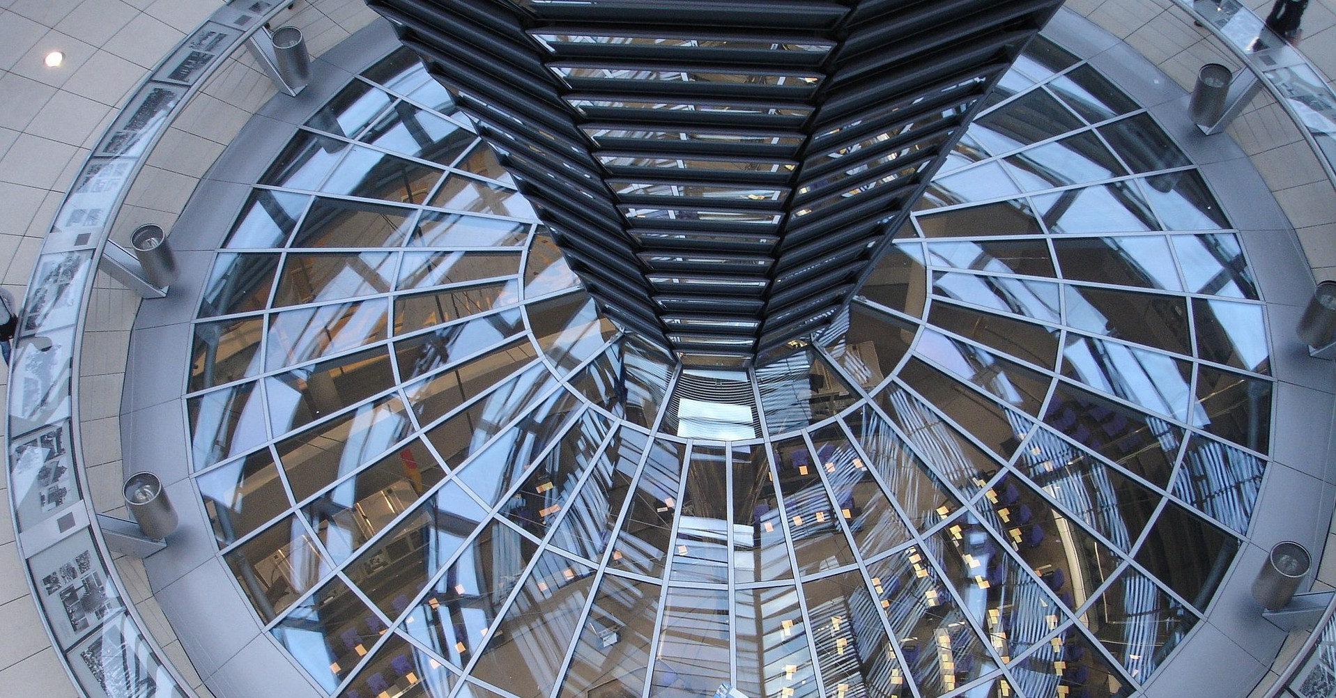 """The """"Reichstag"""" in Berlin: Seat of the Parliament in Germany."""